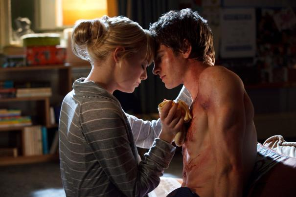 Gwen Stacy (Emma Stone) and Peter Parker (Andrew Garfield) in The Amazing Spider-Man