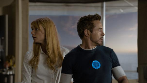 Pepper Potts (Gwyneth Paltrow) and Tony Stark (Robert Downey, Jr.) in Iron Man 3